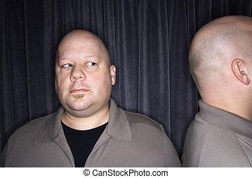 skallig, tvilling, men.
