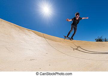 skateboarder, 上に, a, ポンプ, トラック, 公園