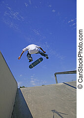 skateboarder, rotaia, saltare