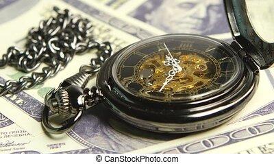 skelet, antieke , clock., dichtbegroeid boven