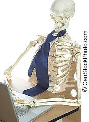 Skeleton at Work 3