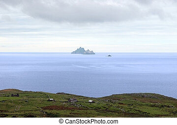 skellig rock view - scenic view in kerry ireland of...