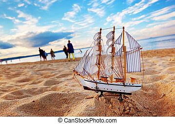 skepp, modell, på, sommar, strand, hos, solnedgång