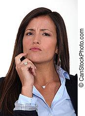 skeptical, nő