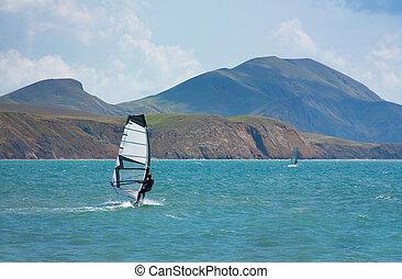 ski fahrend, windsurfing, in, der, ocean winkt