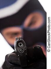 ski, gemaskerd, crimineel, wijzende, een, geweer