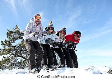 skier, friends