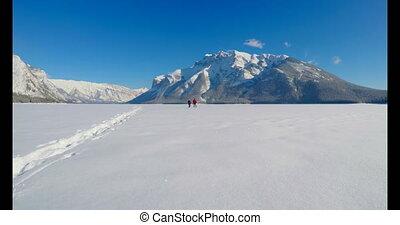 skier, laufen, auf, verschneiter , landschaftsbild, 4k