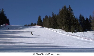 skier slow 01
