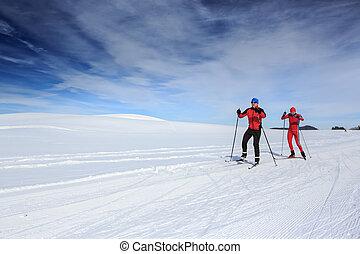 skiers a campo través