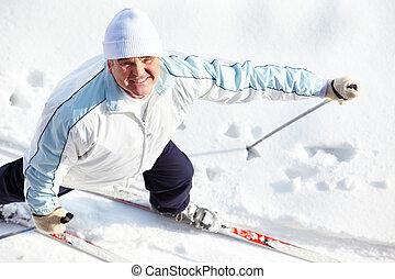 Skiing male