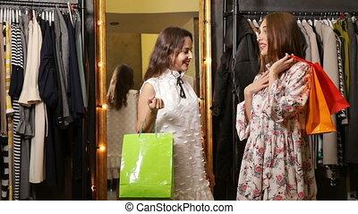 sklep, dziewczyny, rozmowa
