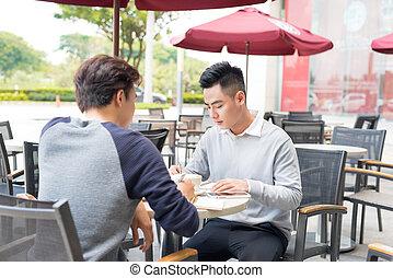 sklep, kawa, handlowy zaludniają, dwa, asian, portret, spotkanie