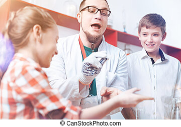 skola, apotekare, och, barn, havande kul, under, vetenskaplig forskning