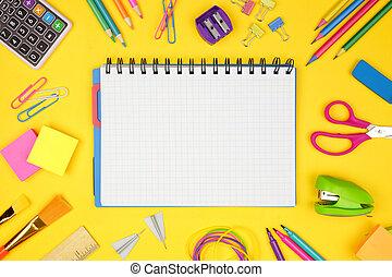 skola, school., ram, baksida, space., papper, yellow., anteckningsbok, graphing, mot, tom, skaffar, avskrift