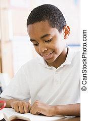 skoledreng, bog, læsning, klasse