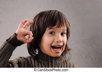 skoledreng, series, i, dygtige, barnet, 6-7 år, gamle, hos, facial udtryk
