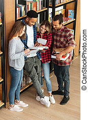 skoncentrowany, reputacja, studenci, book., biblioteka, czytanie