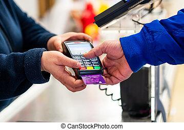 skriva in, creditcard, räcker, kreditkort, uppe, pay., terminal, lösenord, pottor, payment., användande, nära
