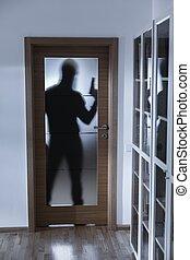 skugga, av, inbrottstjuv, bak, dörrar