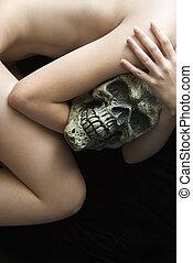 skull., mulher nua