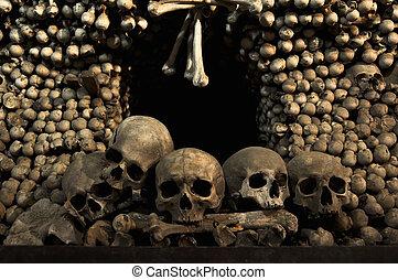 Skulls And Bones - Human skulls and bones in Kutna Hora,...