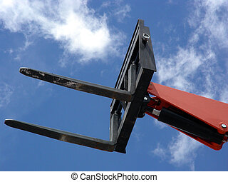 Sky Lift - Hydraulic fork lift extending skyward