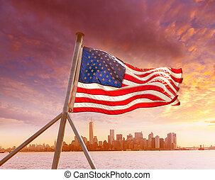 skyline manhattan, ny york, hos, amerikaner flag, os