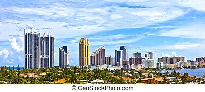 Skyline of the city of Miami, Florida. - Skyline of the city...