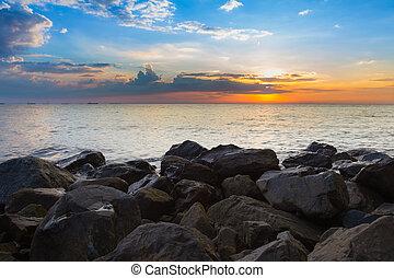 skyline, praia, sobre, rocha