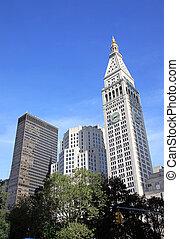 Skyscraper in the Madison Square Park