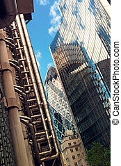 Skyscrapers in Lonodn - Lloyd's of London, Willis Building,...