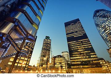 skyskrapor, av, londons stad, om natten