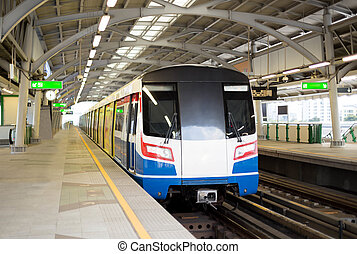 skytrain, transport commun