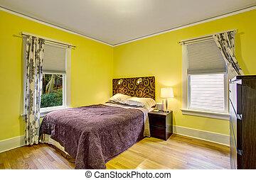 Bruine , gele, slaapkamer stockfoto - Zoek Afbeeldingen en Foto ...