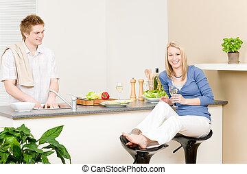 slaatje, paar, etentje, cook, keuken, vrolijke