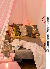 Sleeping area with big bed