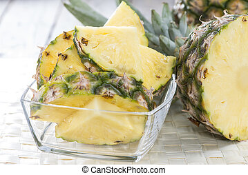 Sliced Pineapple - Pieces of a sliced Pineapple in a bowl (...