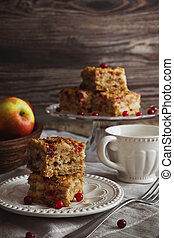 cake with cranberries