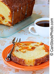 slices of cake with raisins