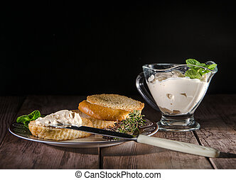 baguette with cream cheese