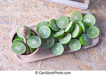slices of green lime fruit