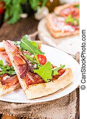 (slices), prosciutto, casalingo, pizza