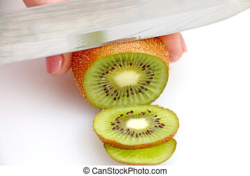 slicing kiwi on wheels