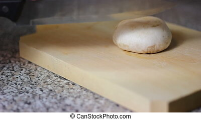 Slicing mushroom
