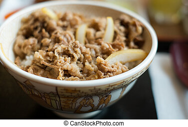 slide beef barbecue with steamed rice, selection focus point