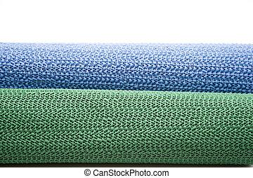 Slide mat for carpet