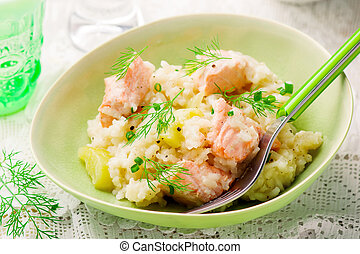 Slow Cooker Salmon Risotto.stile rustic.selective focus