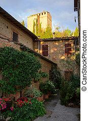 Small Cozy Italian Yard. - Cozy yard in small town in Iitaly