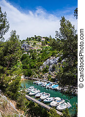 Small fjord in Calanque National Park between Cassis and ...